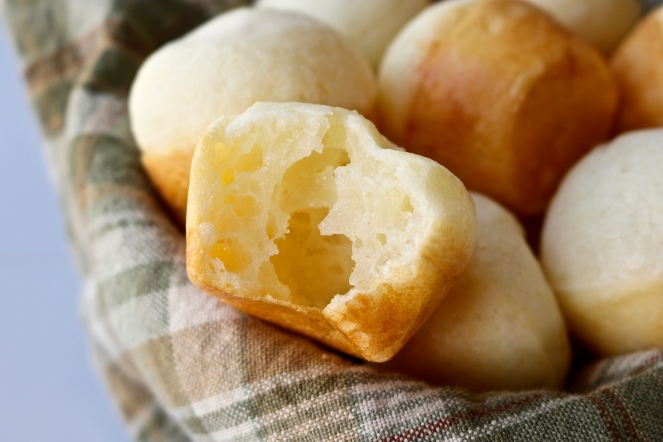 Pão de Queijo (Brazilian Cheese Bread) | A Palate For Pie